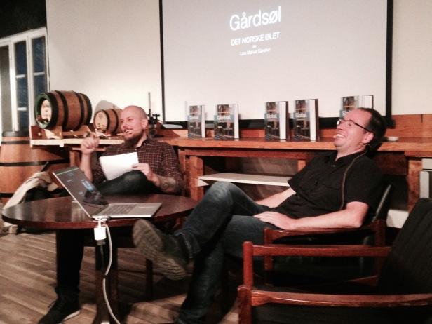 Forfatter Lars Marius Garshol i samtale med Amund Polden Arnesen. Foto: Vibeke Vesterhagen