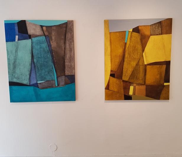 """Aleksandra Niemczyk (1977), """"Cristal"""" og """"Golden"""". Foto fra utstillingen: Siri Wolland"""