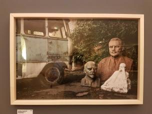 """Fotofestivalen i Arles. """"Looking for Lenin"""". Fotografer; Niels Ackermann og Sèbastien Gobert. 2016. Foto fra utstillingen: Siri Wolland."""