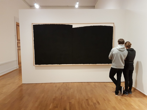 """Richard Serra, """"Finkl-forge"""", 1991. (Fettstift på papir) Foto fra utstillingen: Siri Wolland"""