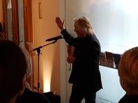 """Fotograf Morten Krogvold åpner utstillingen av Bjørn Winsnes """"Utsnitt"""" i Nasjonalmuseet - Arktitektur. Foto: Siri Wolland"""