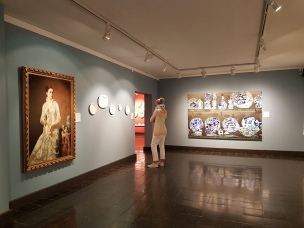 """Fra utstillingen """"Hjemmets skatter"""" på Blaafarveværket. Foto fra utstillingen: Siri Wolland."""