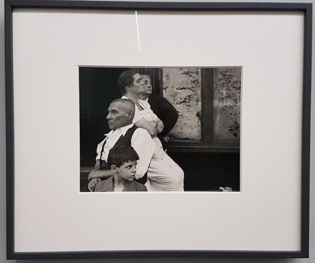 Foto Helen Levitt, New York 1946. Foto fra utstillingen; Siri Wolland.