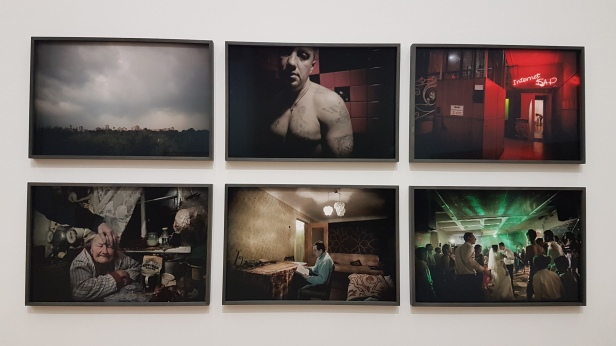 Fotograf Tomm Wilgaard Christiansen, Serien Bloodlands, 2013-2015. Foto fra utstillingen; Siri Wolland.